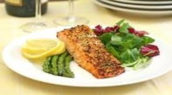 Salmon & Asparagus a quick simple healthy spring treat!
